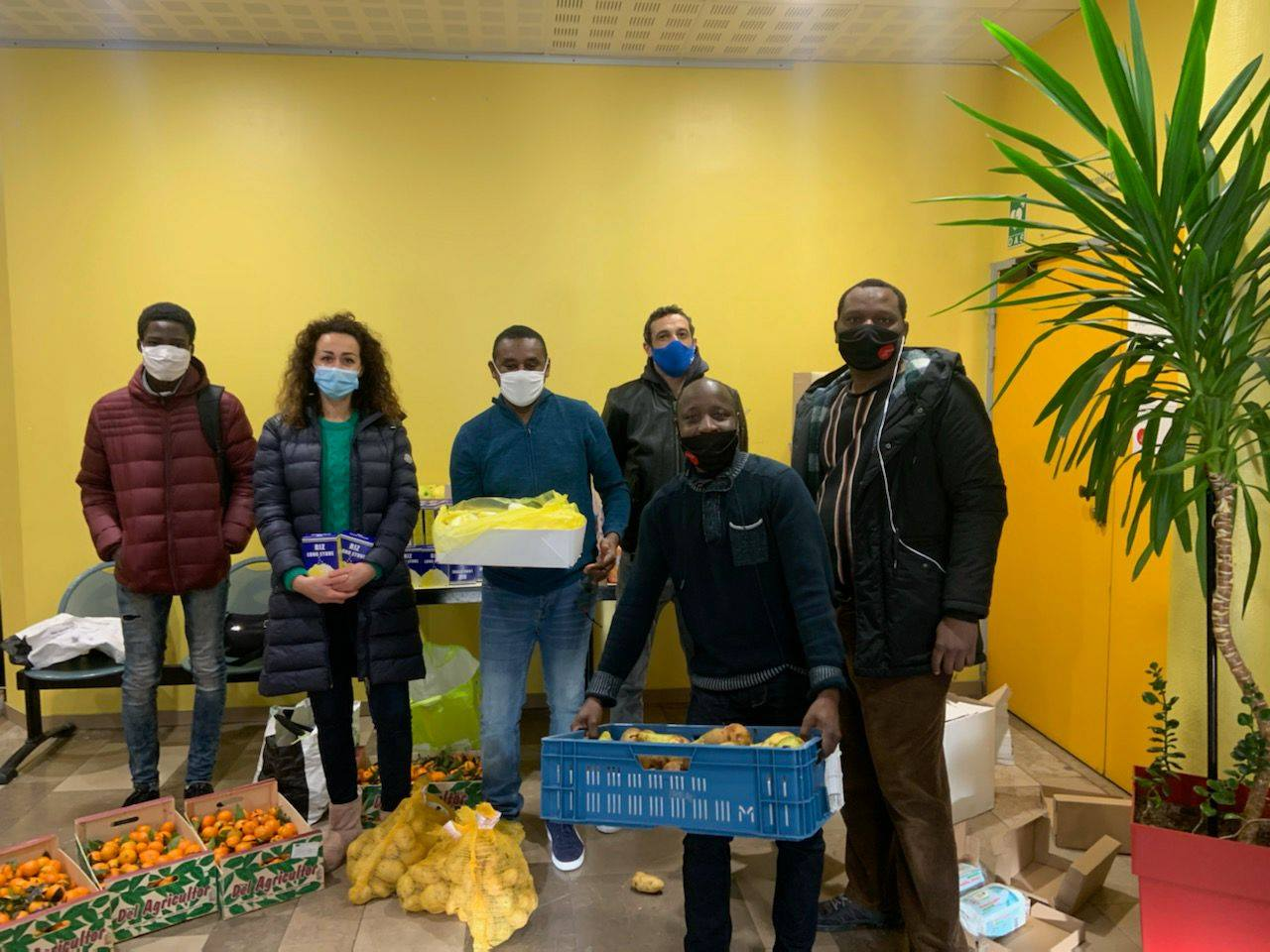 Au Castillon: des fruits et des légumes donnés aux étudiants