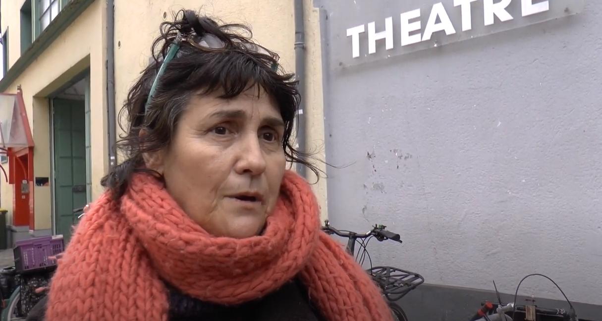 A la Maison du Théâtre, livres et légumes donnés aux habitant-es (vidéo)