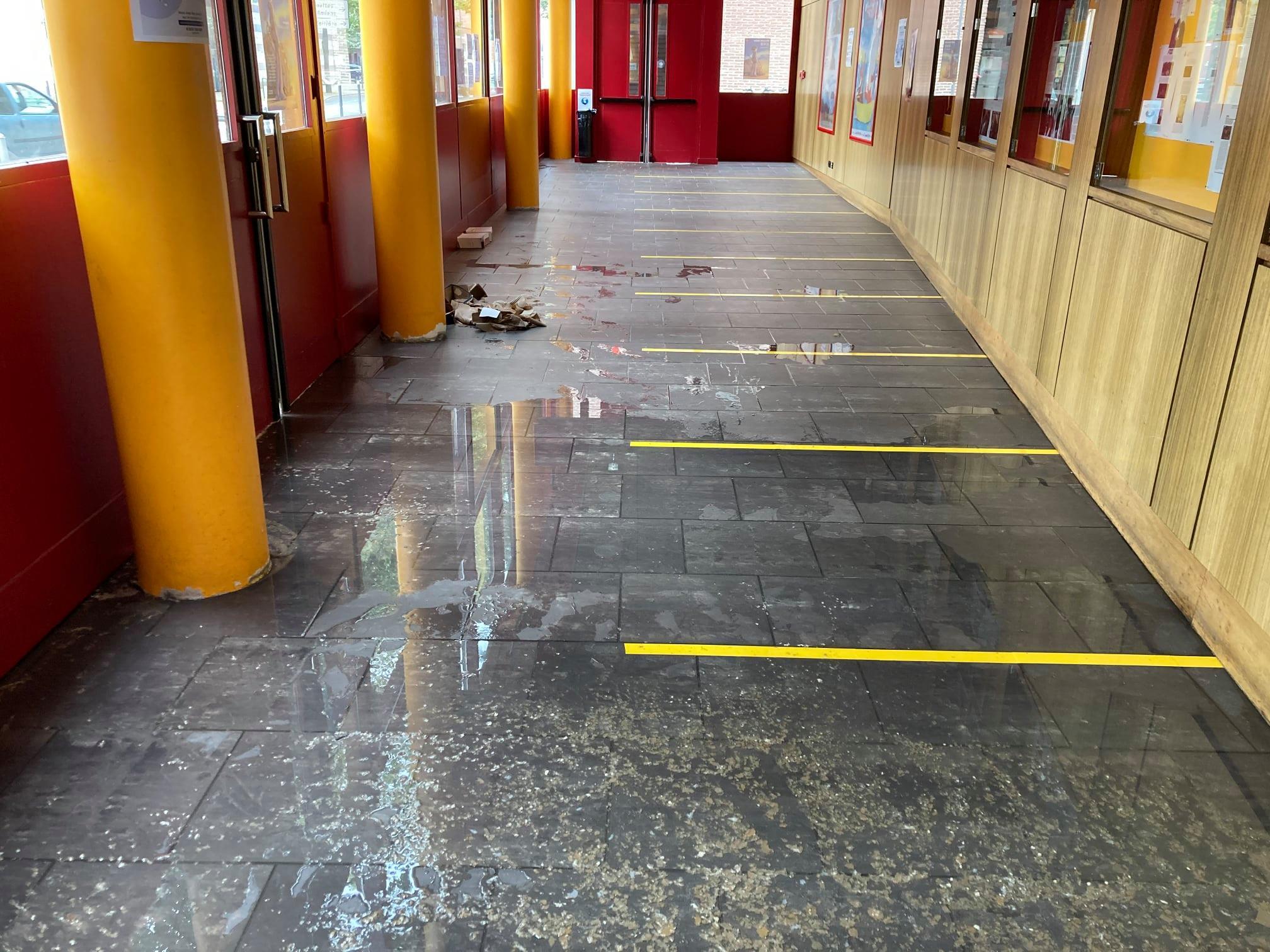 Dégâts des eaux au Ciné St Leu, les séances de ce lundi annulées, réouverture ce mardi midi